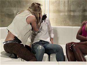 Takers pt five - Bonding time with Asa Akira, Ana Foxxx and Kleio Valentien