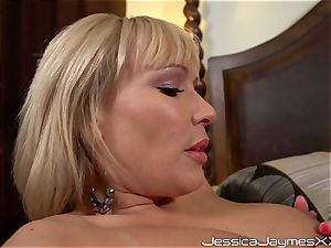 string on screwing lesbos with Jessica Jaymes, Austin Taylor and Mellanie Monroe