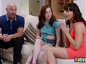 Ginger sitter has warm three way with adoring cougar