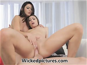 Victoria Lawson and Nikki Daniels in a steaming fuckshare