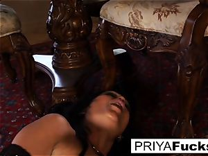 Priya Rai rails a sybian to a meaty climax