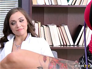 Tiffany starlet seduced by tattooed doc Anna Bell Peaks