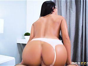 black-haired babe August Ames takes a meaty shaft