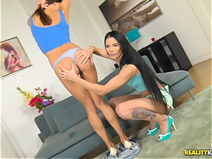 Lovenia Lux and Roxy Dee horny muff gobbling and hard vulva thrashing four way