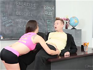 Fit ultra-cutie Ziggy star gets sizzling and yummy with the sports coach