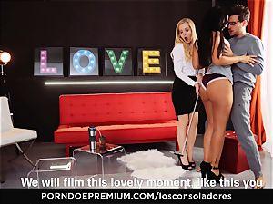 LOS CONSOLADORES - beautiful Claudia Bavel FFM 3some