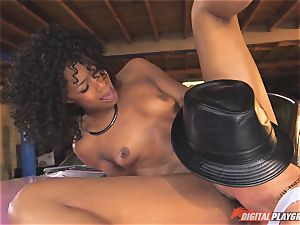 super-sexy Misty Stone plumbed by Kerian Lee