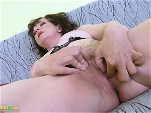 OldNannY good Mature furry cootchie toy onanism