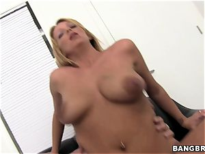 Trixie starlet trys out ffor her first porno casting