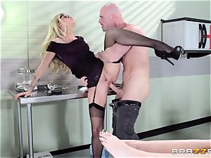 super hot physician Jessa Rhodes checks out this phat fuckpole
