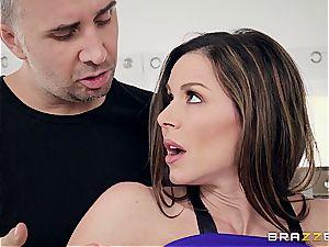 Kendra fervor smashing the sport trainer